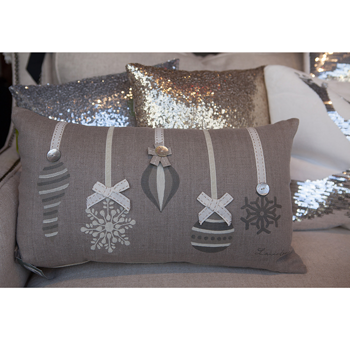 holiday throw pillows